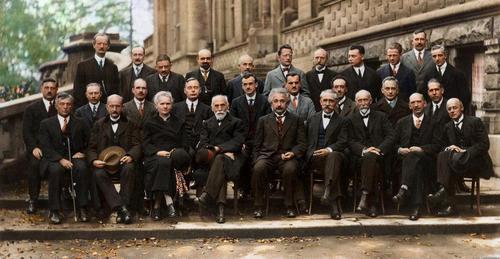 Incompletitud y medida en física cuántica (I): la teoría superpositiva