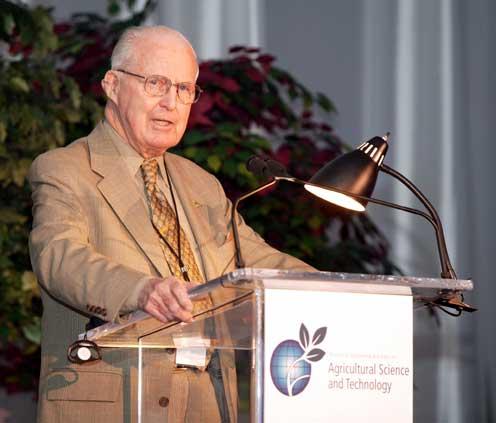 «Norman Borlaug, padre de la Revolución Verde» por Elías Fereres