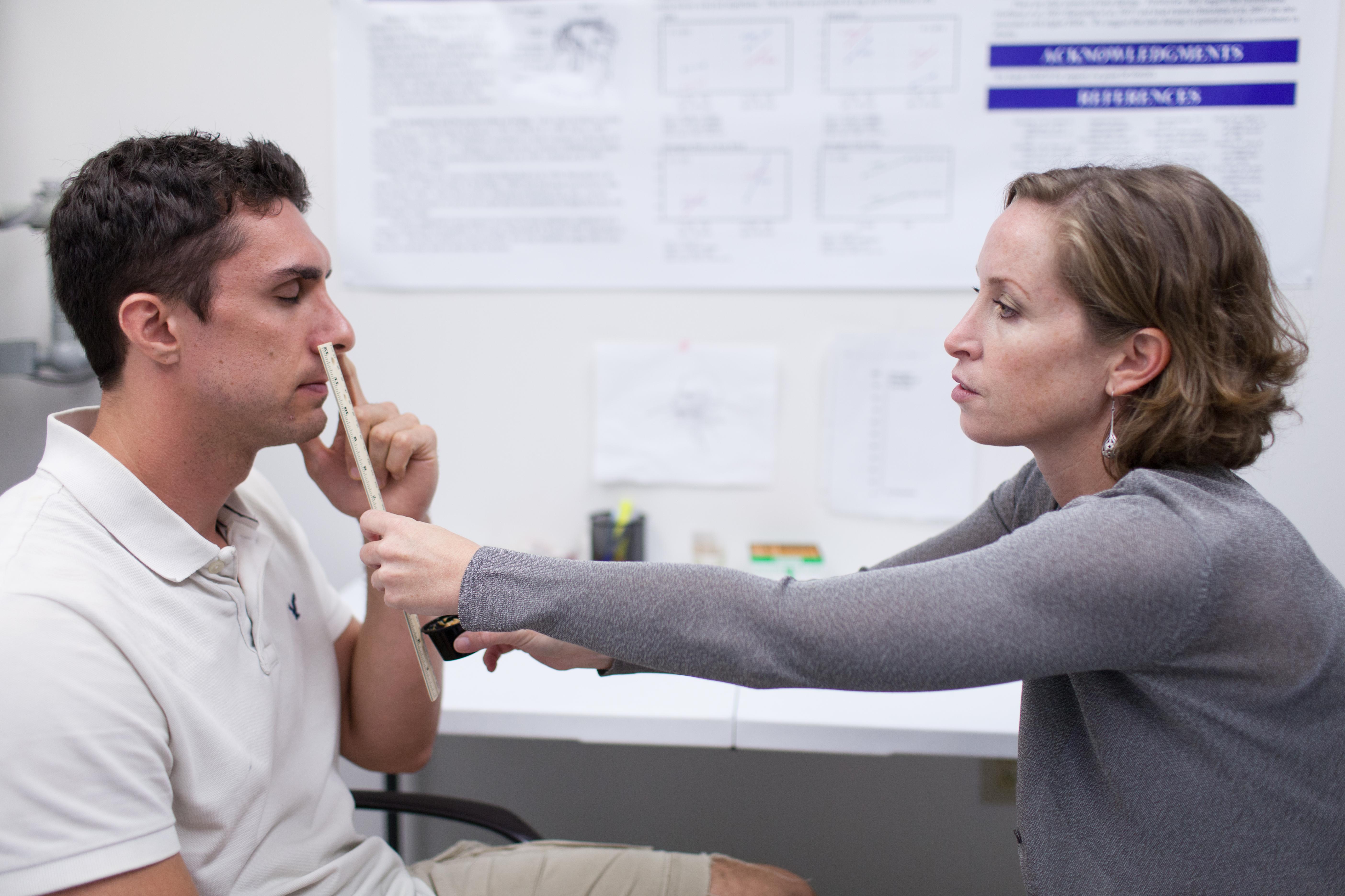 Sobre el alzhéimer y la prueba del cacahuete