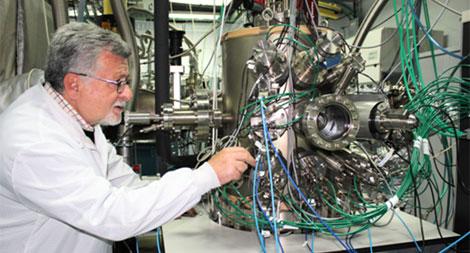 «Nanociencias y alternativas energéticas» por Fernando Briones