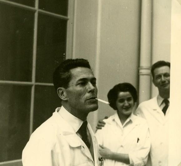 Monod, Carmen Sánchez y André Lwoff en 1960. Foto Madeleine Brunerie, Institut Pasteur