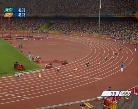 Posiciones de salida en la final de 40 mm de la final de Pekín 2008 que ganó Angelo Taylor