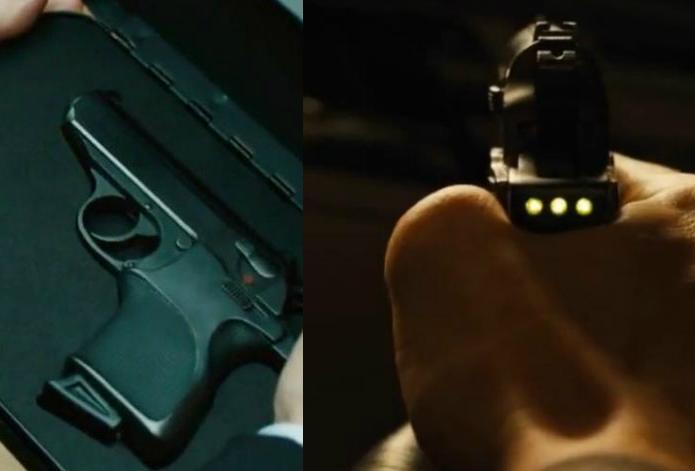 La última de las pistolas remozadas por Q para 007 incorpora la identificación por impresión dactilar de la mano del agente para permitir su uso exclusivo.