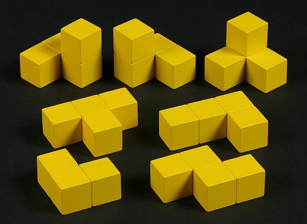 """Las siete piezas del puzzle geométrico tridimensional llamado """"cubo soma"""""""