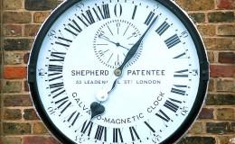 Reloj de Shepherd en la puerta de acceso al Observatorio de Greenwich (Reino Unido)