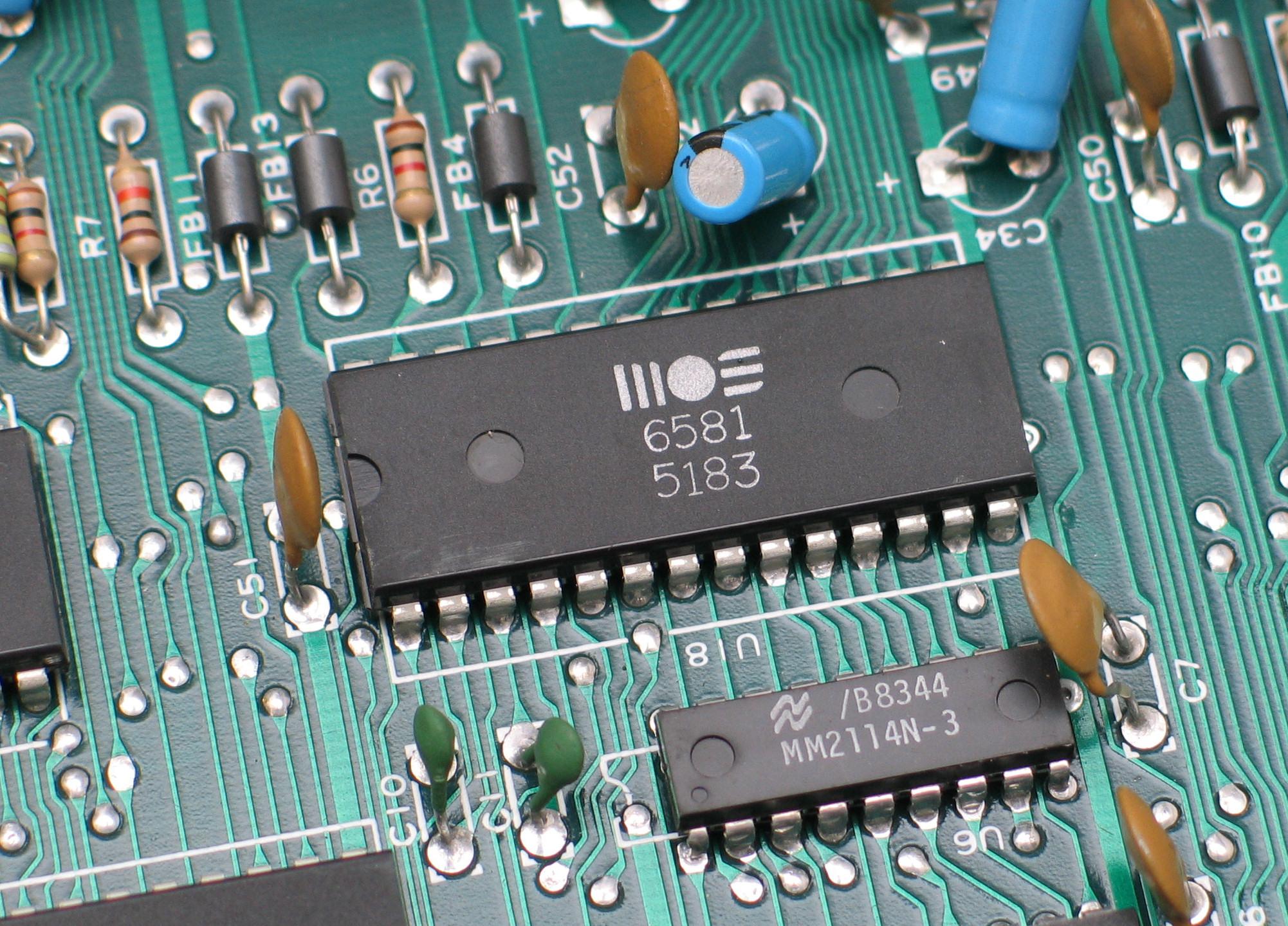 Cómo obtener hidrógeno a partir de una placa de circuitos impresos