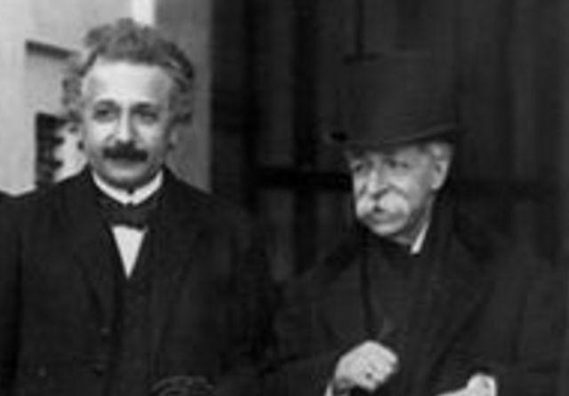 José Rodríguez Carracido junto a Albert Einstein