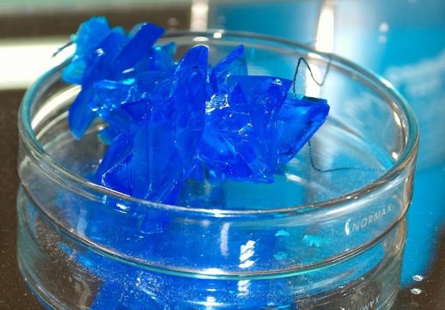 Cristales de sulfato de cobre (II) hidratados