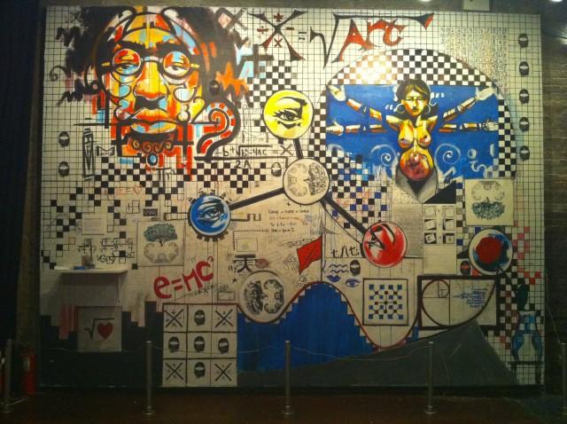 Graffiti matemático en el Bowery Poetry Club de Nueva York (2010), del artista John Sim
