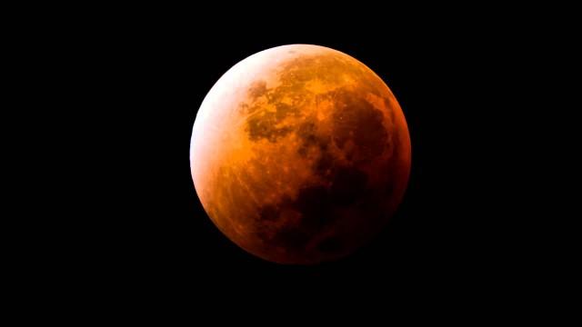 Luna roja durante el eclipse lunar de 27/28 septiembre 2015 (Imagen: Planetario Ciudad de la Plata)