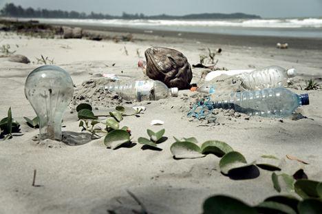 ocean-plastic-litter-bottles