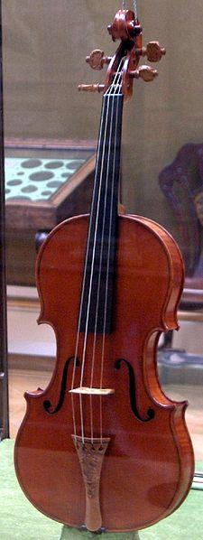 Imagen 5. El Mesias de Antonio Stradivarius (con fecha de 1716) (Fuente: https://commons.wikimedia.org/wiki/File:Messiah_Stradivarius.jpg