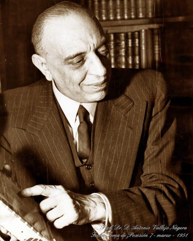 En 1951 es elegido miembro de la Real Academia Nacional de Medicina.