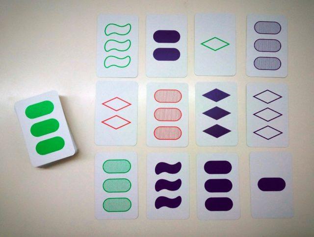 Grupo de 12 cartas con las que se pueden formar 6 SETs