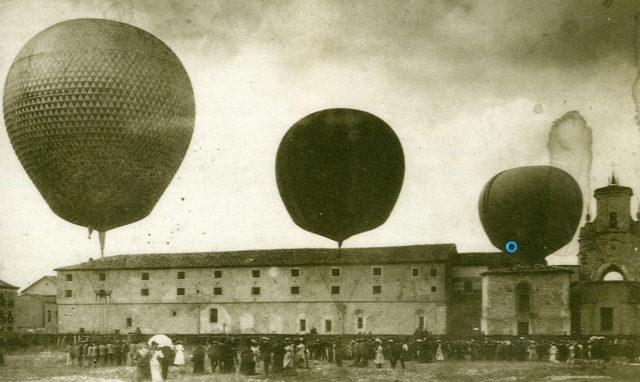 Fotografía de los globos Júpiter, Marte y Urano preparados para la suelta en Burgos