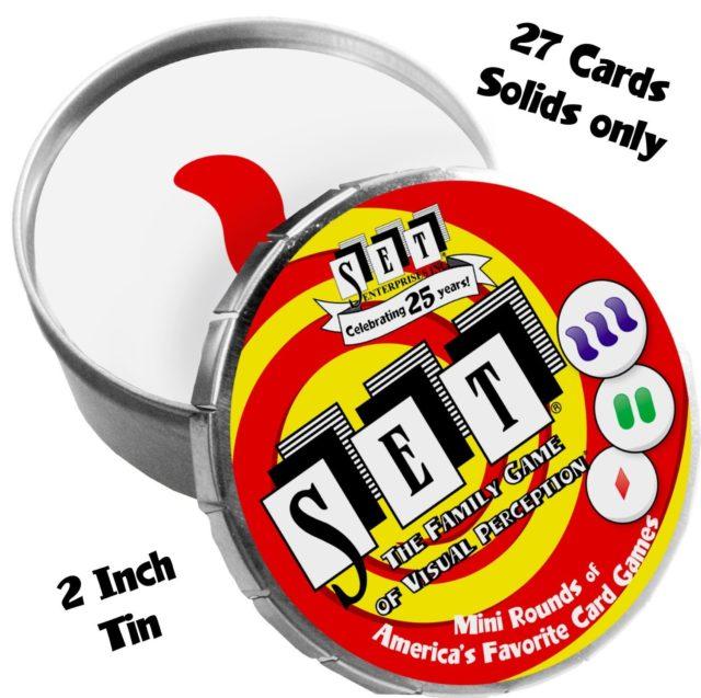 Versión mini del juego de SET para viaje, que consiste en las 27 cartas que se obtienen al considerar solo tres características, color, número y forma