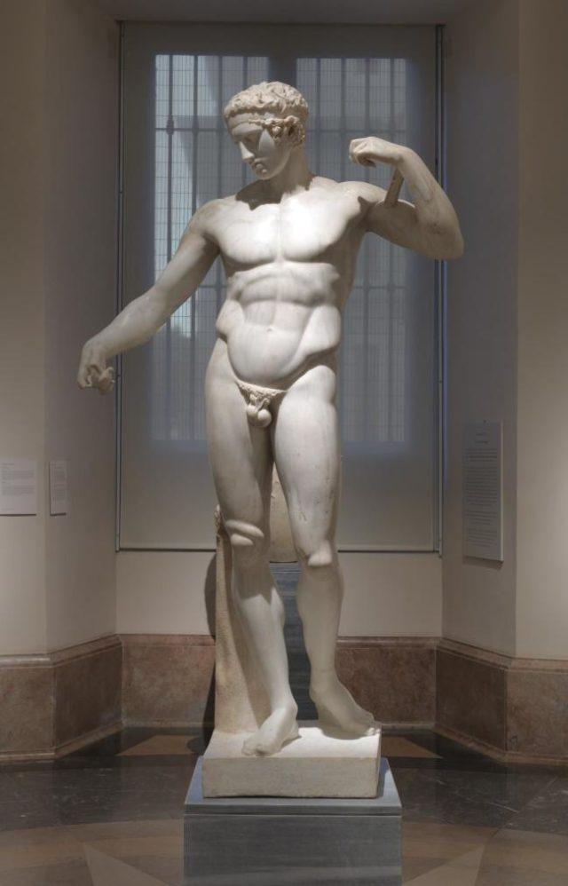 Figura 6. Diadúmeno (202x110 cm). Copia romana (140-150 d.C.) de la obra de Policleto (s V a.C.). Fuente: Museo del Prado