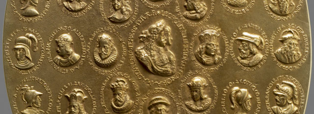 Detalle de la medalla que Seiler le dejó como recuerdo a Leopold I