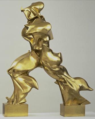 """""""Formas únicas de continuidad en el espacio"""" (1913), bronce, de Umberto Boccioni, en el MoMA de Nueva York"""