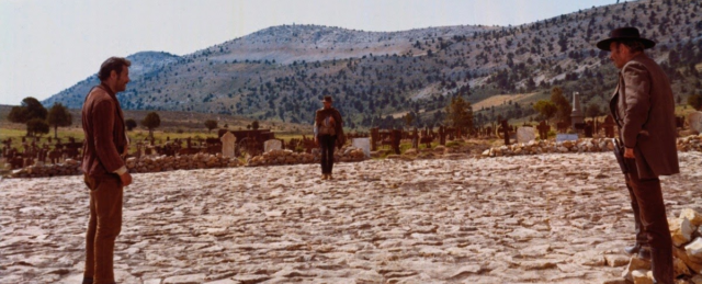 """Imagen del duelo final de la película """"El bueno, el feo y el malo"""" de Sergio Leone."""