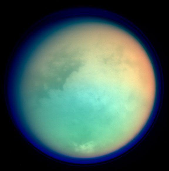 Los castillos de arena en Titán no necesitan agua