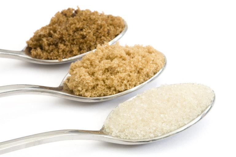 Azúcar moreno, ¿mejor que el azúcar blanco?