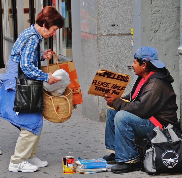 El altruismo en las mujeres se ve recompensado