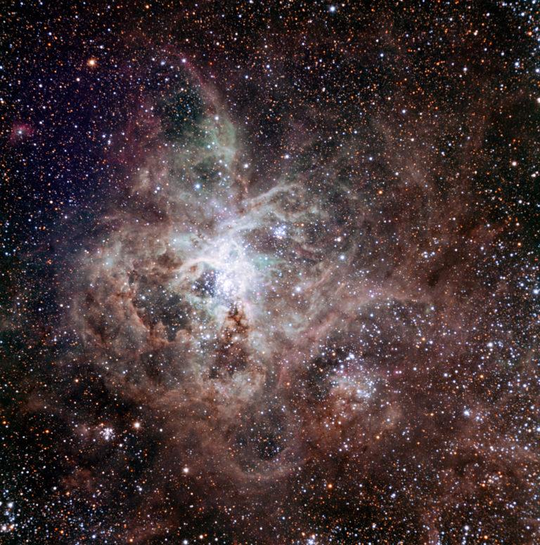 Hay más estrellas masivas de lo que se creía y lo que eso implica para la historia del universo