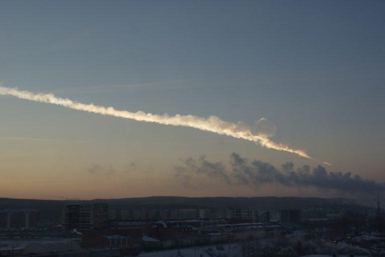 Destruyendo asteroides con bombas atómicas