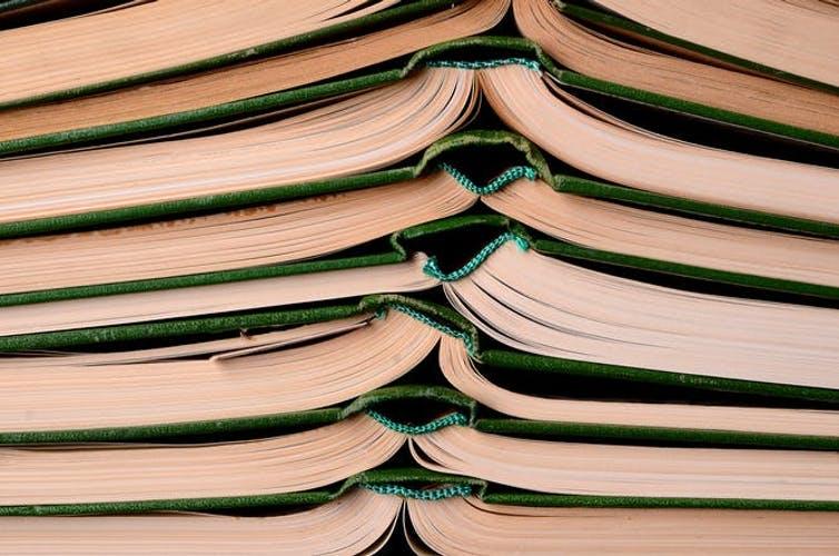 Cómo descubrimos tres libros venenosos en la biblioteca de nuestra universidad