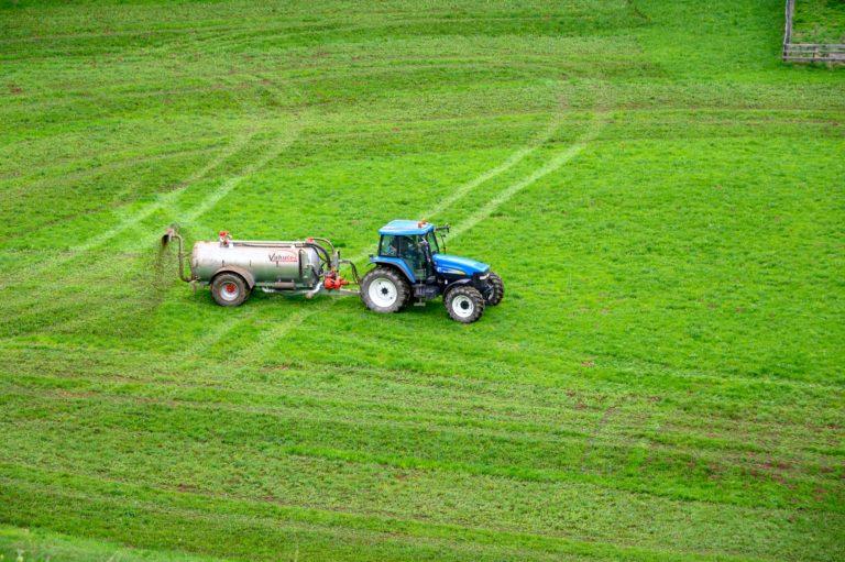 El papel de la agricultura en la transmisión de la resistencia a antibióticos