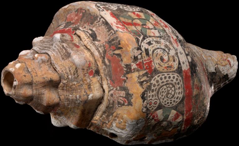 Mayas y aztecas en la orquesta
