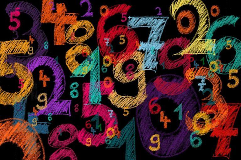 Todos los números enteros positivos son iguales