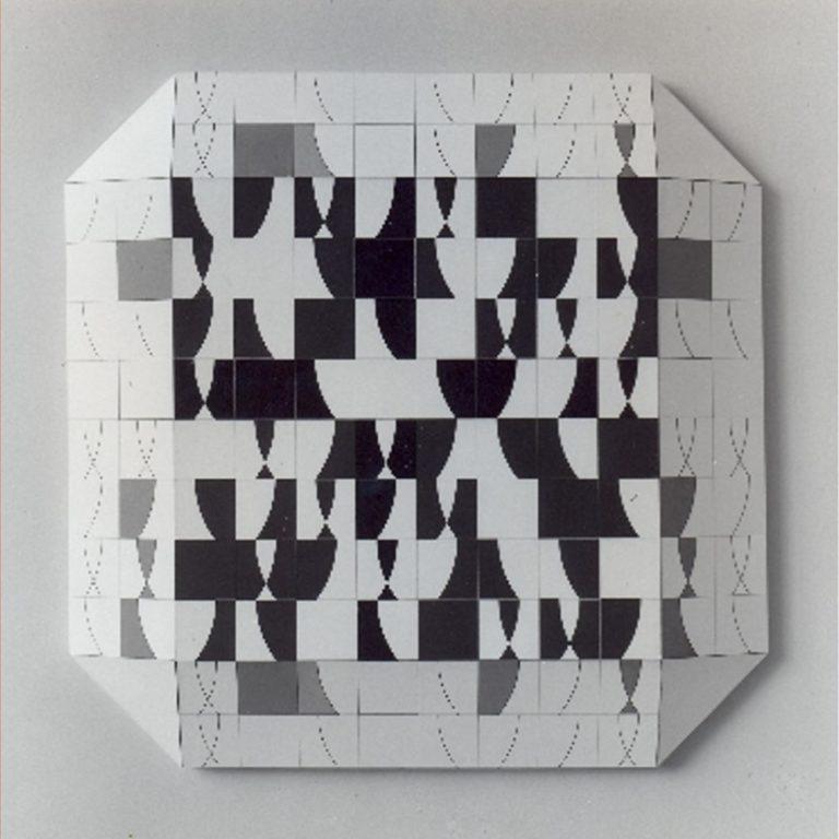 La teoría de grupos en el arte contemporáneo: John Ernest