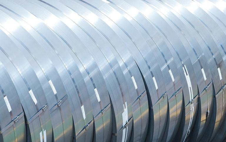 Actúa localmente: midiendo el impacto ambiental de la siderurgia