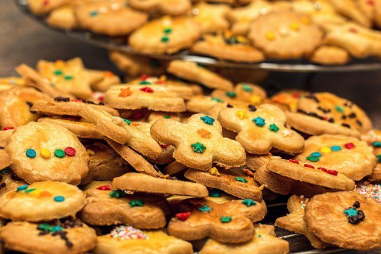 Repartiendo 1000 galletas