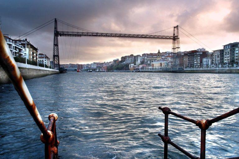 El Puente Bizkaia, icono de la era industrial